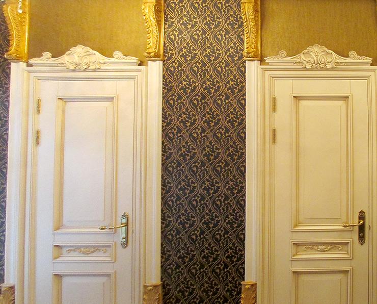 Входные двери из массива на заказ в СанктПетербурге